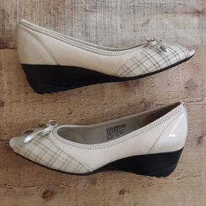 Rockport Adiprene by Adidas Heels Beige Pumps sz 6